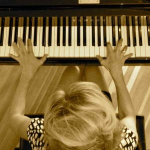 tricia dalgleish playing piano